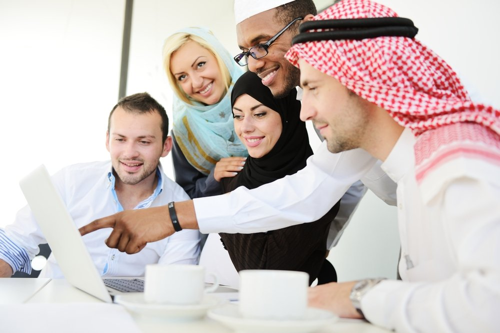 Group-of-multi-ethnic-business-people-at-work